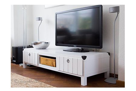 8b5c0ab00fbb 6 DIY TV Stands That Hide Ugly Cable Boxes and Wires