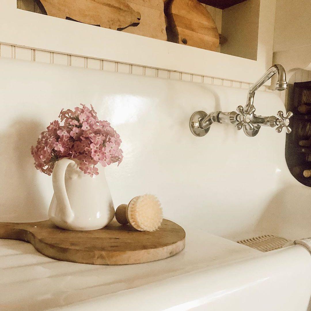old farmhouse style drainboard sink