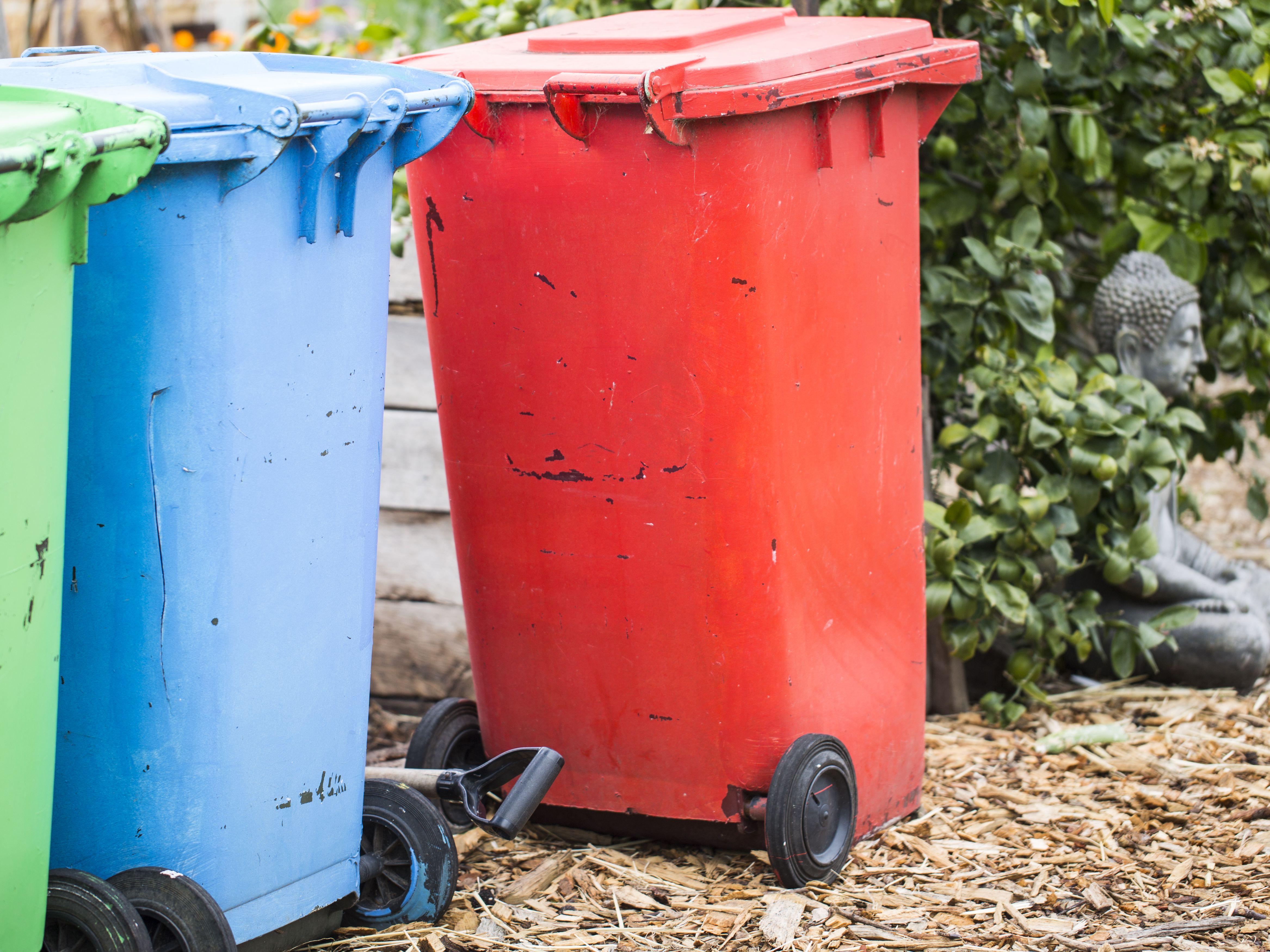 7 ways to decrease trash and make trash management easier