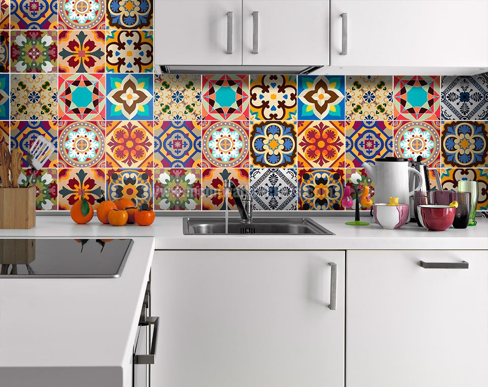 Traditional kitchen backsplash