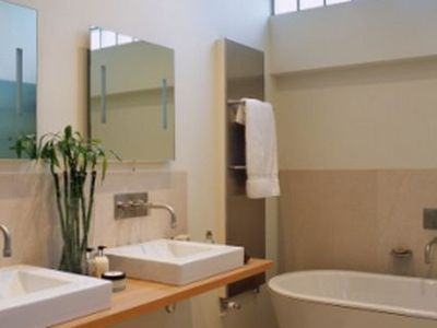 25 Killer Small Bathroom Design Tips