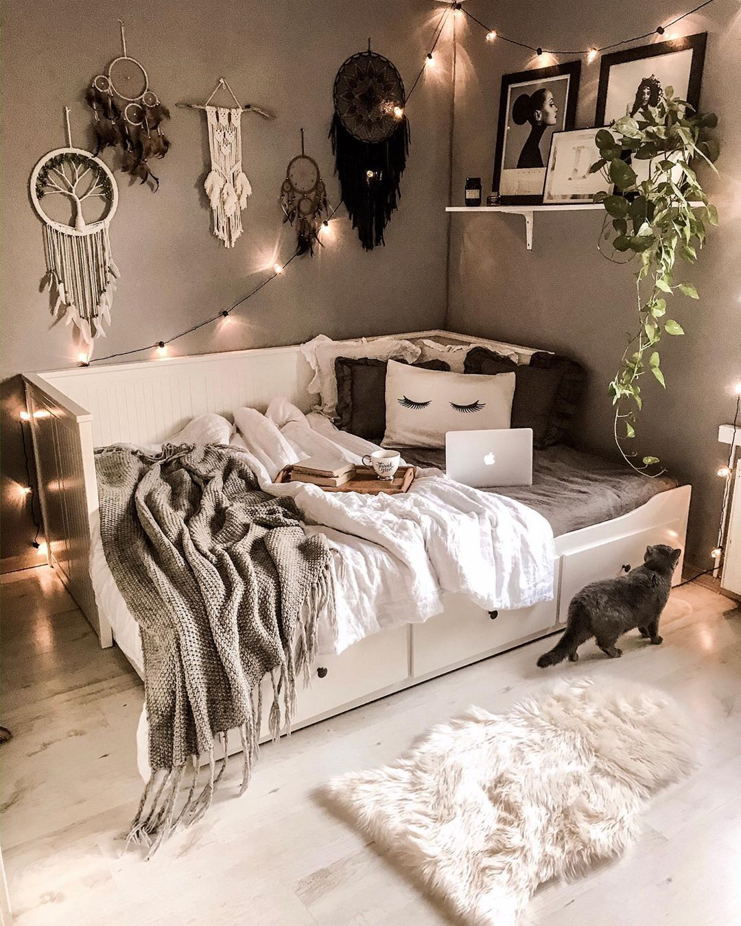 39 Tips For Decorating A Bedroom