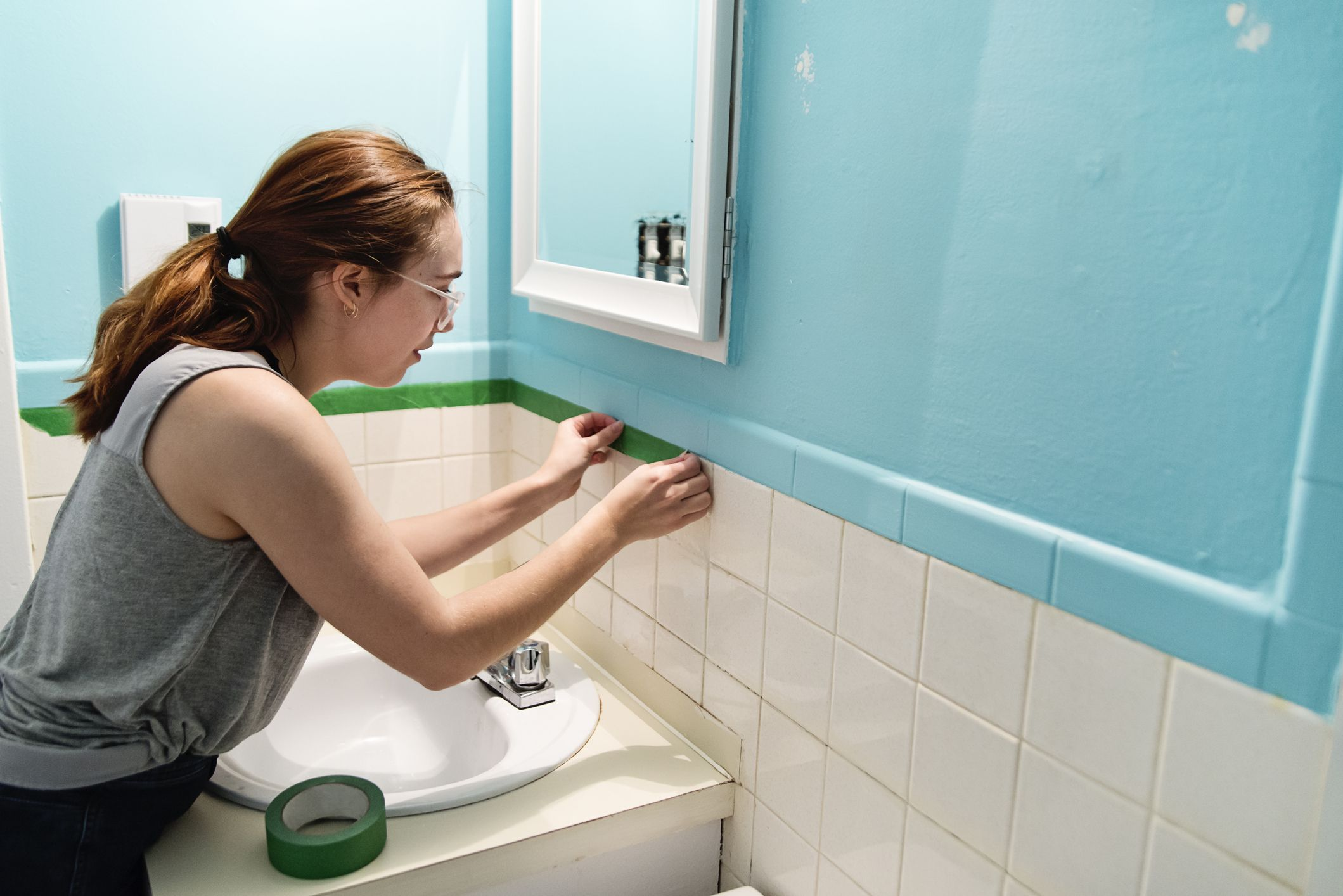 How Long Does Caulking Take To Dry In A Bathroom how to caulk like a pro