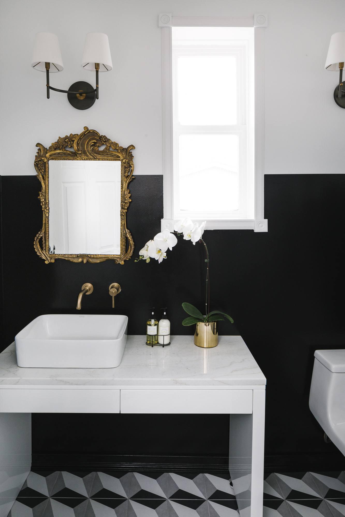 Home Makeover: An Interior Designer\'s Glam Black & White Denver Home