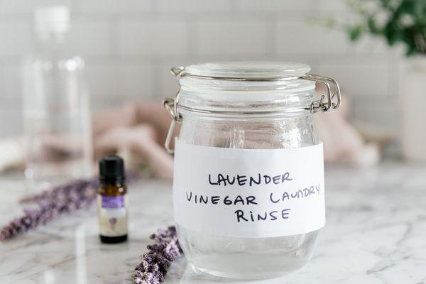 DIY lavender vinegar rinse