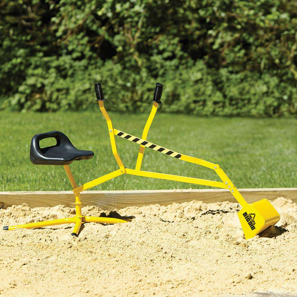 Sand toy digger