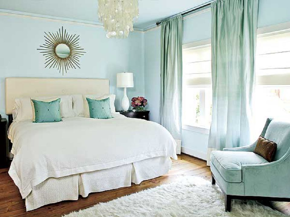 The Best Color Schemes to Set a Bedroom\'s Mood