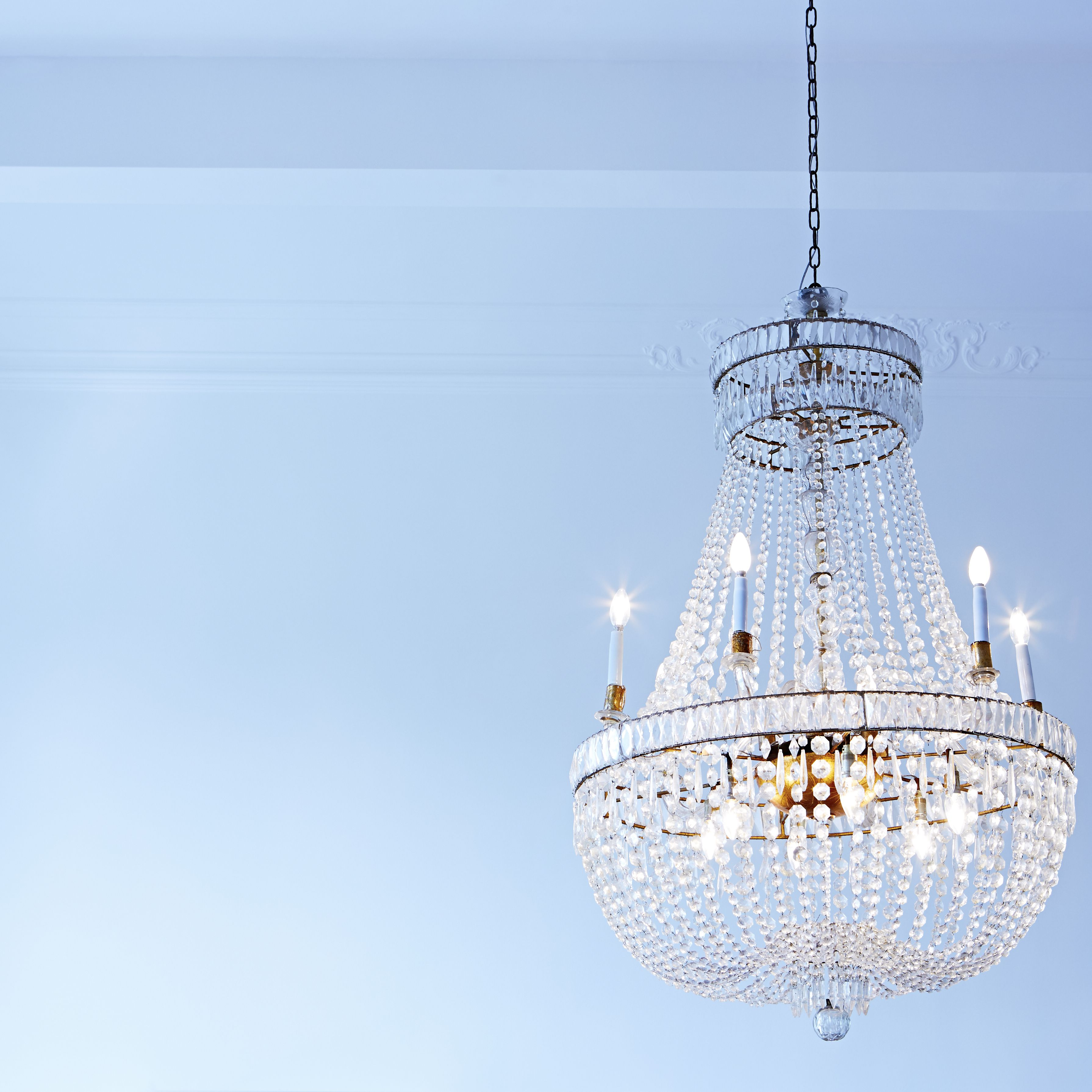 How To Determine The Right Chandelier Size For A Room