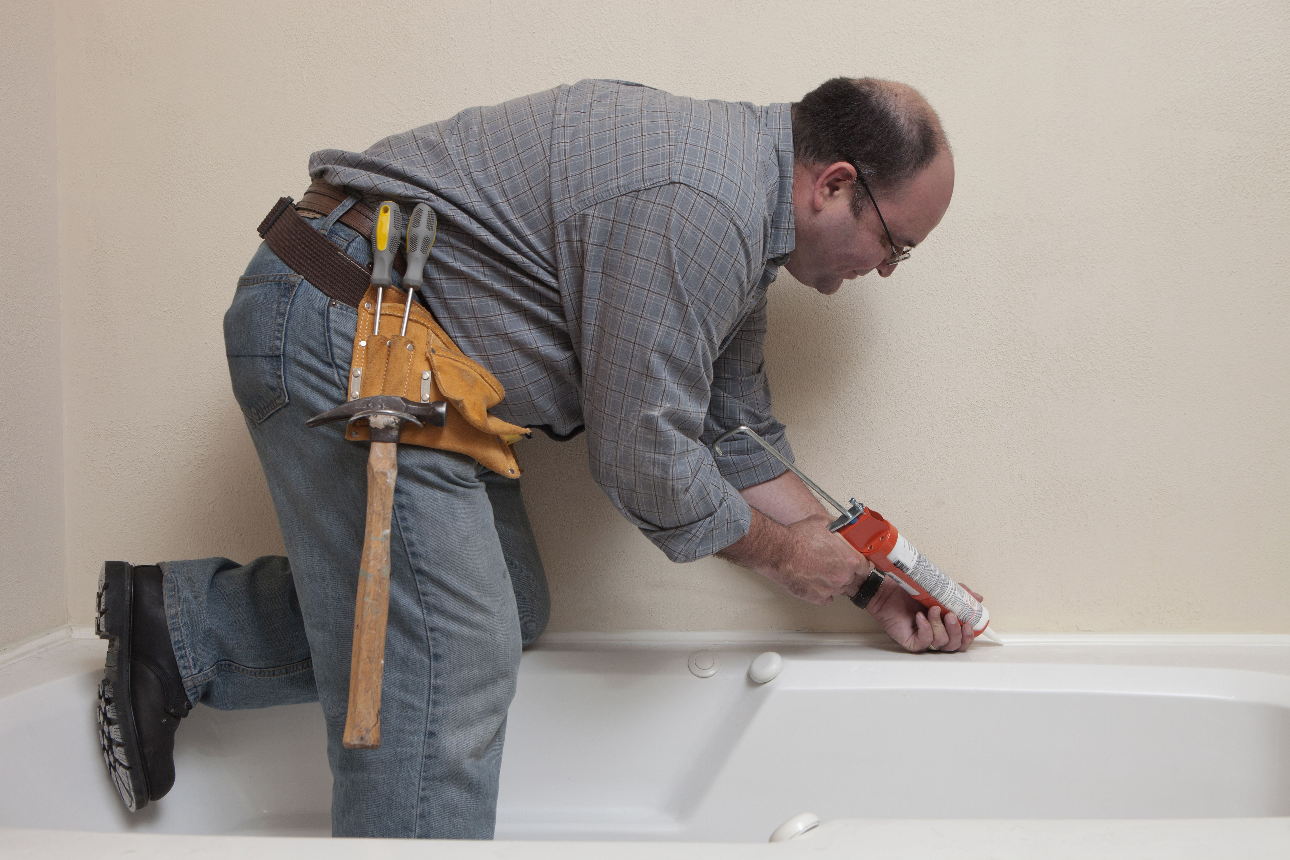 How Long Does Caulking Take To Dry In A Bathroom how to caulk shower and bathtub trim