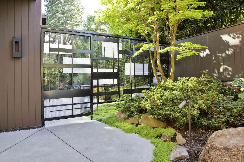puerta de jardín moderna