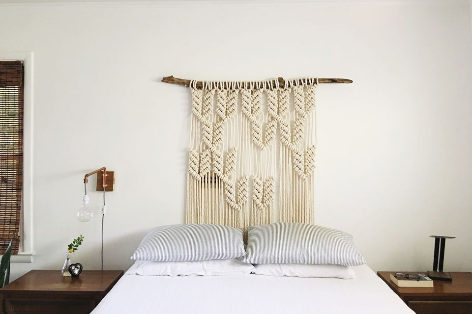 25 diy headboards you can make in a weekend or less macrame diy headboard on branch solutioingenieria Image collections
