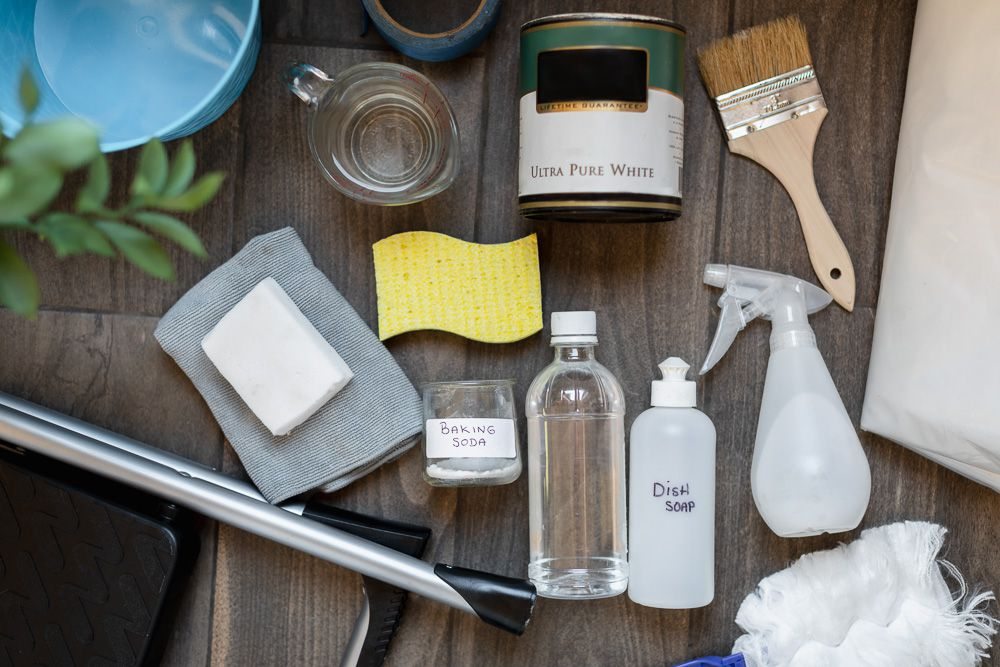 Materials and tools to clean flat paint on wooden surface