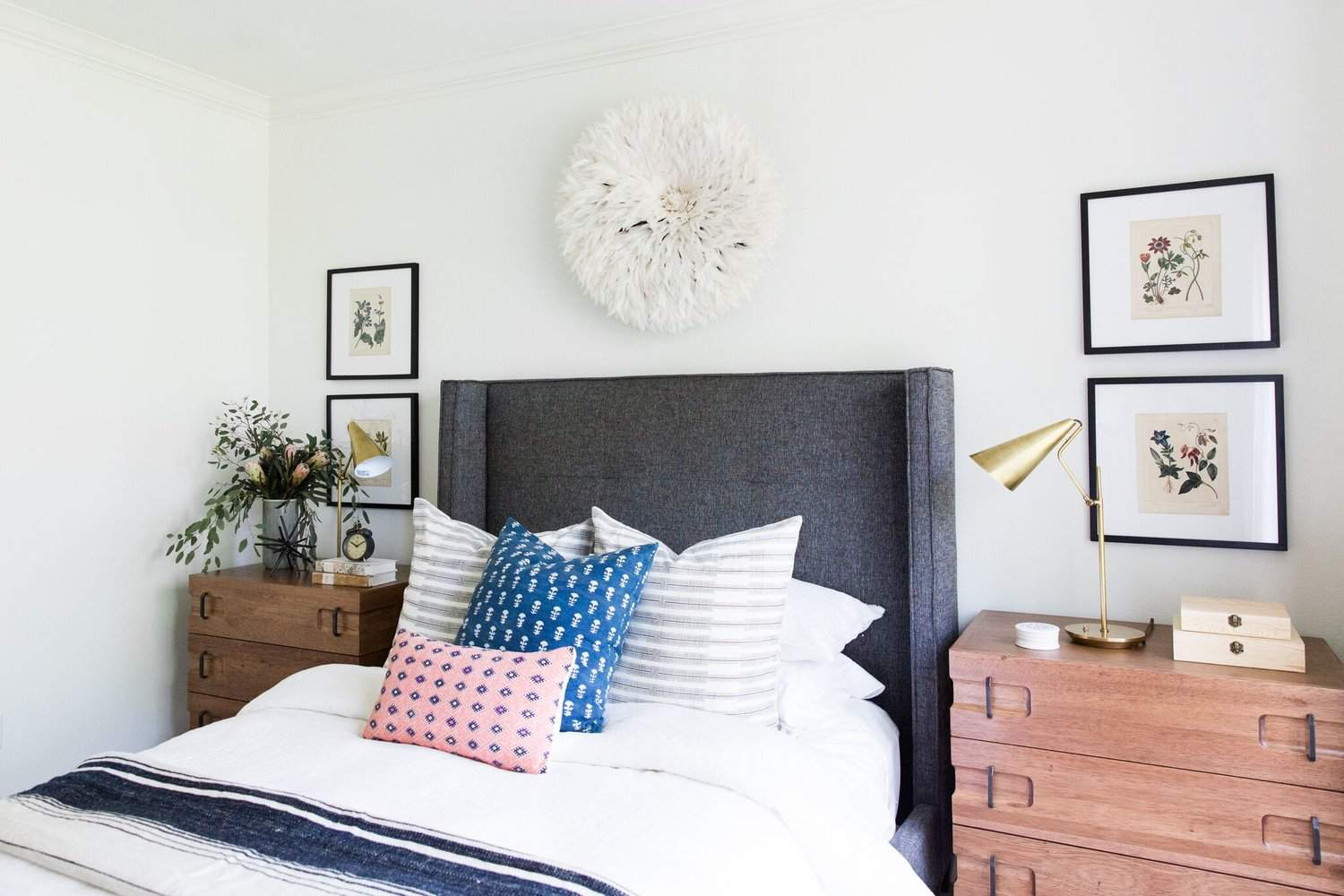 22 Stylish Bedrooms With Chic Upholstered Headboards