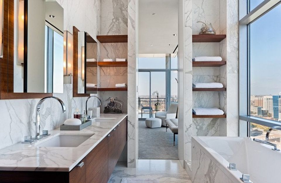17 Gorgeous Bathrooms With Marble Tile