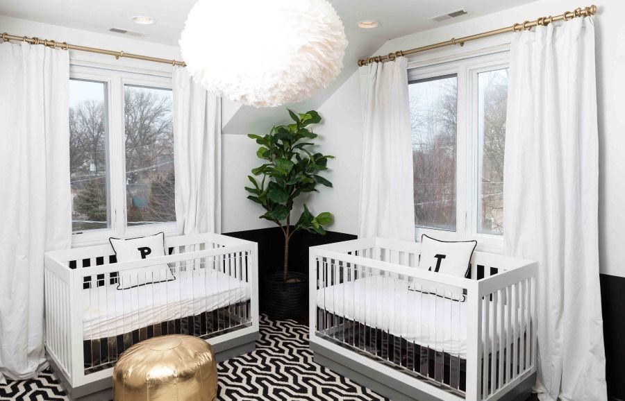 Moderna habitación doble en blanco y negro