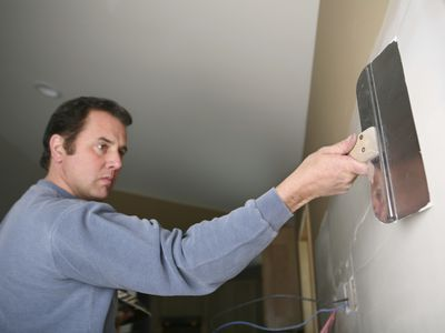 Mudding Drywall with Compound