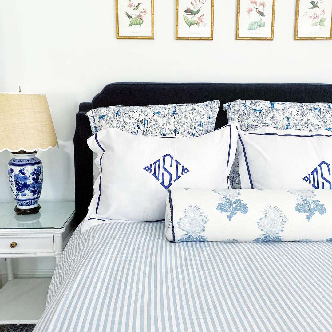 Bed with preppy details