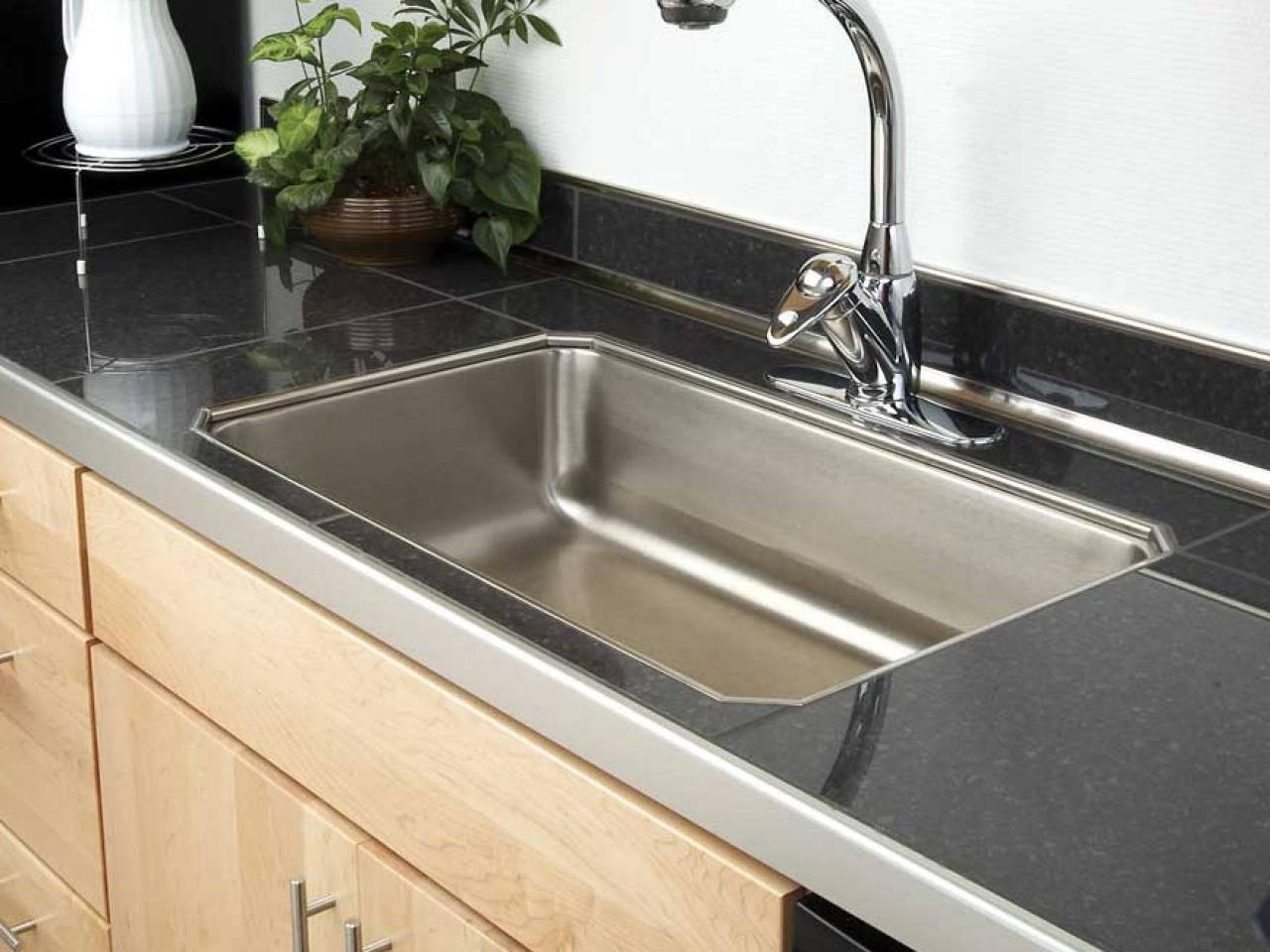 9 Tile Kitchen Countertops That are Surprisingly Fresh