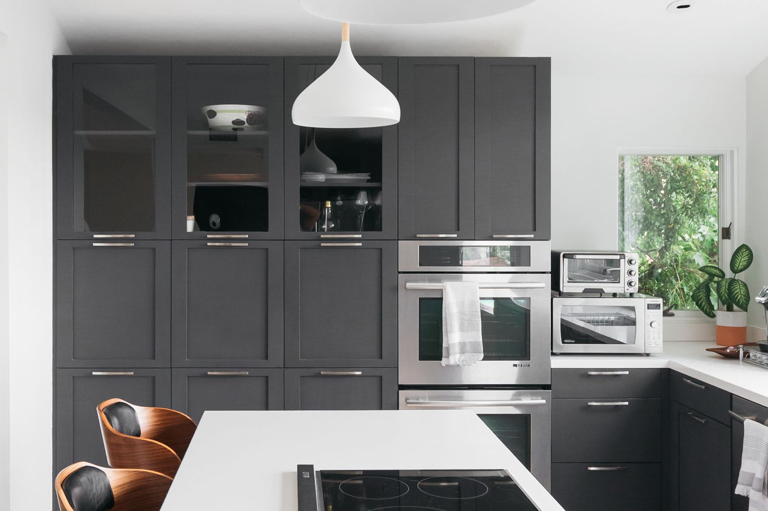 Image of: 21 Ways To Style Gray Kitchen Cabinets