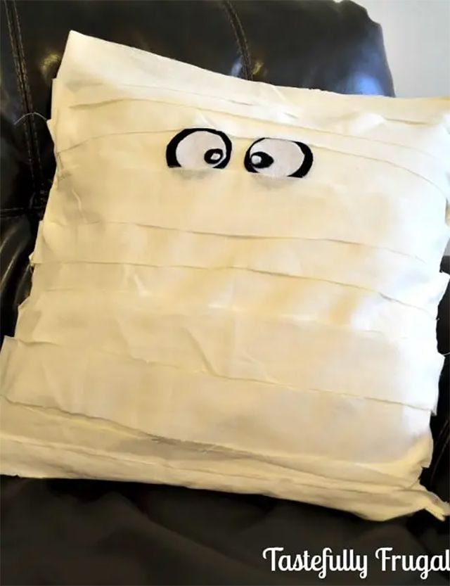 A mummy pillow with eyes