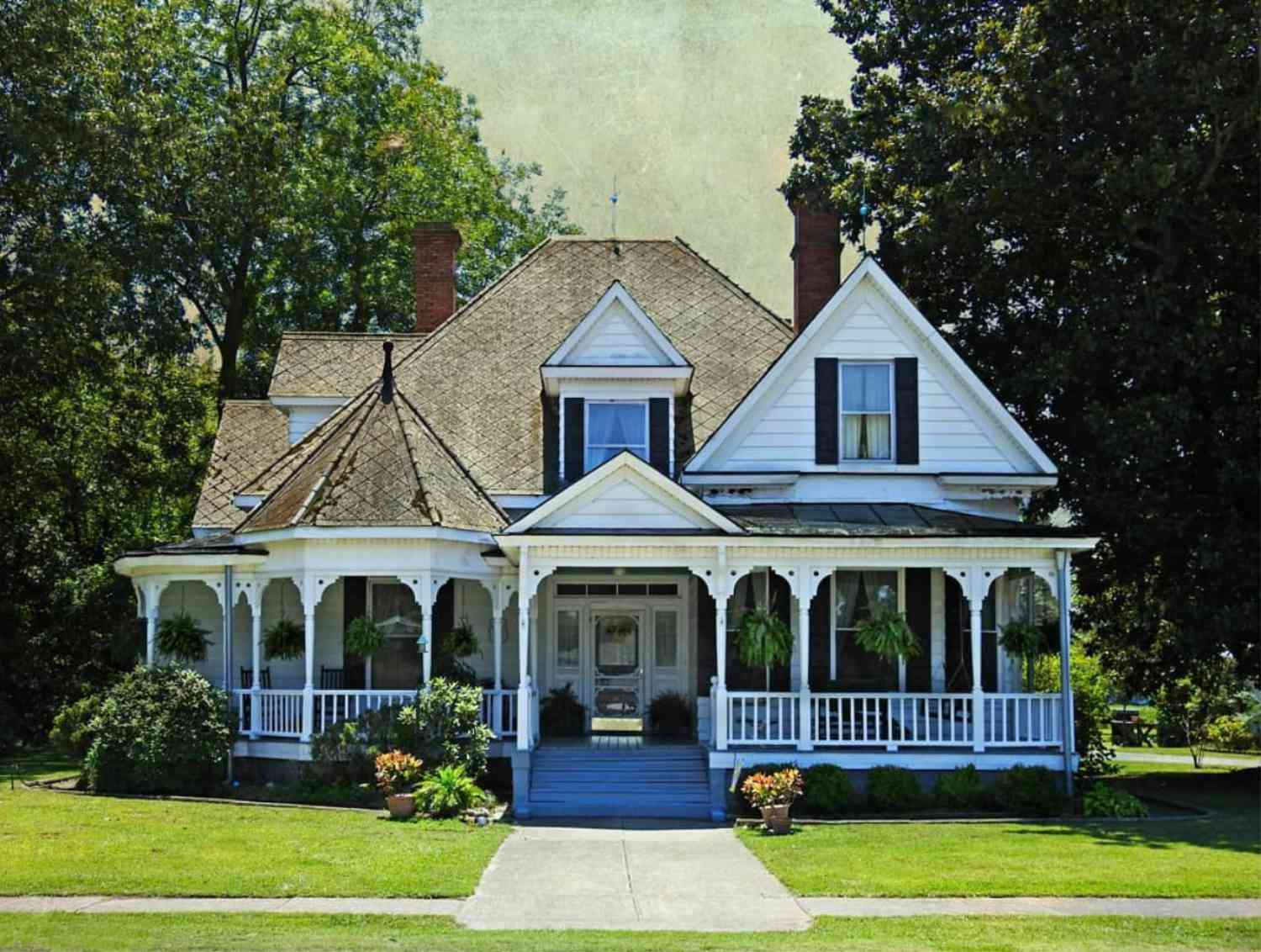 Get Inspired by the Many Styles of Victorian Homes