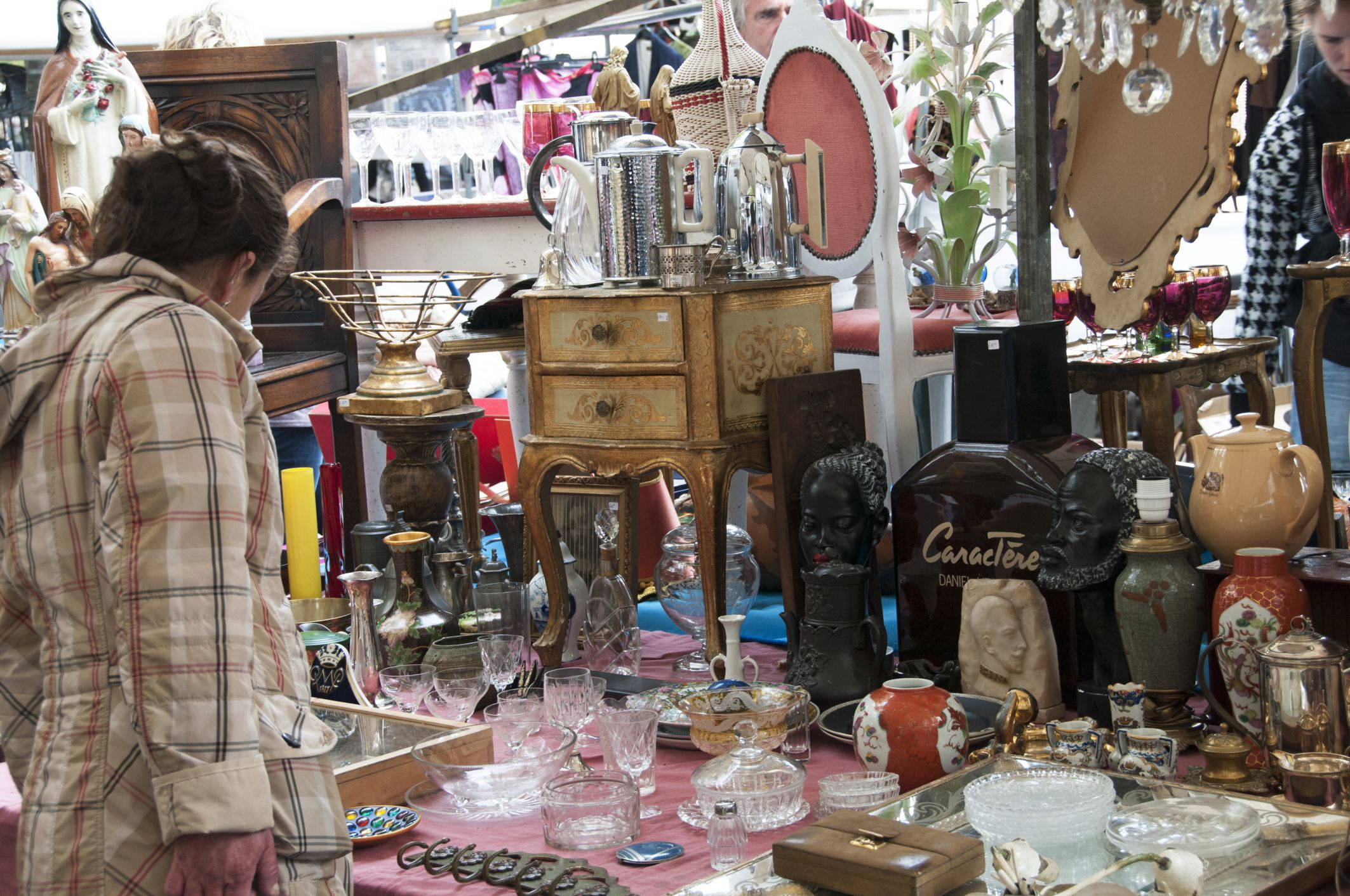 yard sale style 7 things to shop for to decorate on the.htm visit antique alley yard sale in texas  visit antique alley yard sale in texas