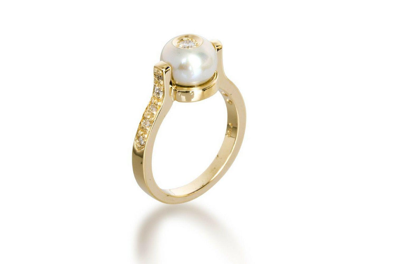 Anillo de compromiso de perlas