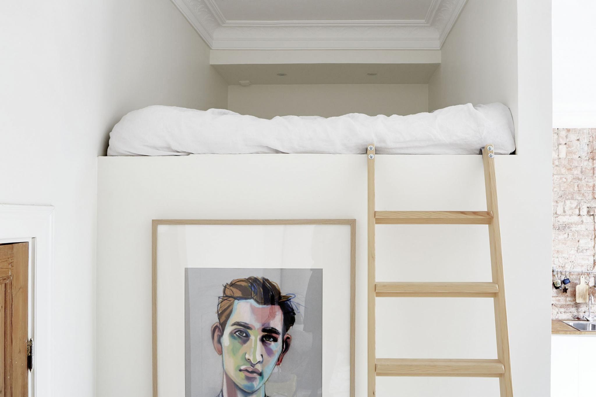 Loft bed nook