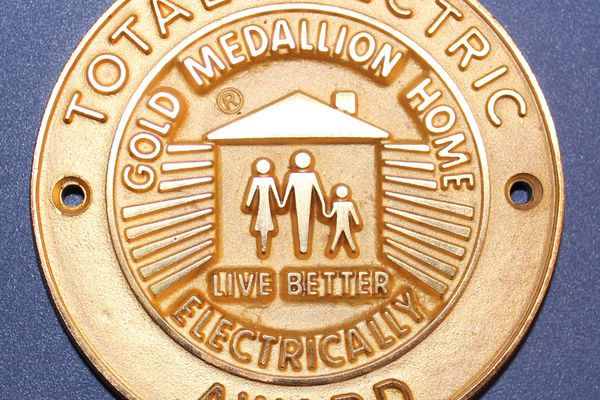 The Gold Medallion Home badge.