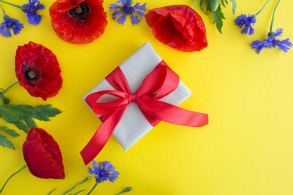 9th wedding anniversary celebration ideas and symbols