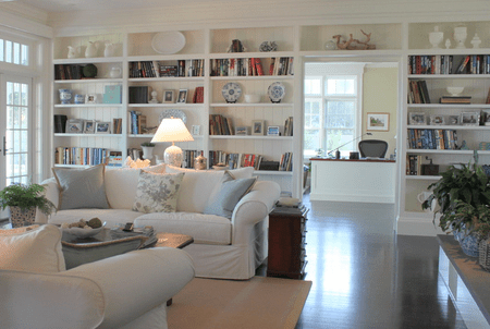 Beach House Living Room With Built In Shelves
