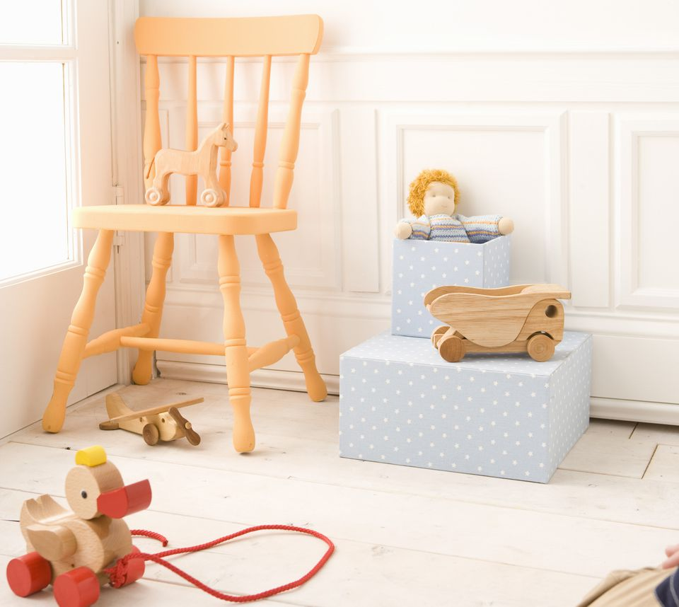 Esquina de la habitación de un bebé.