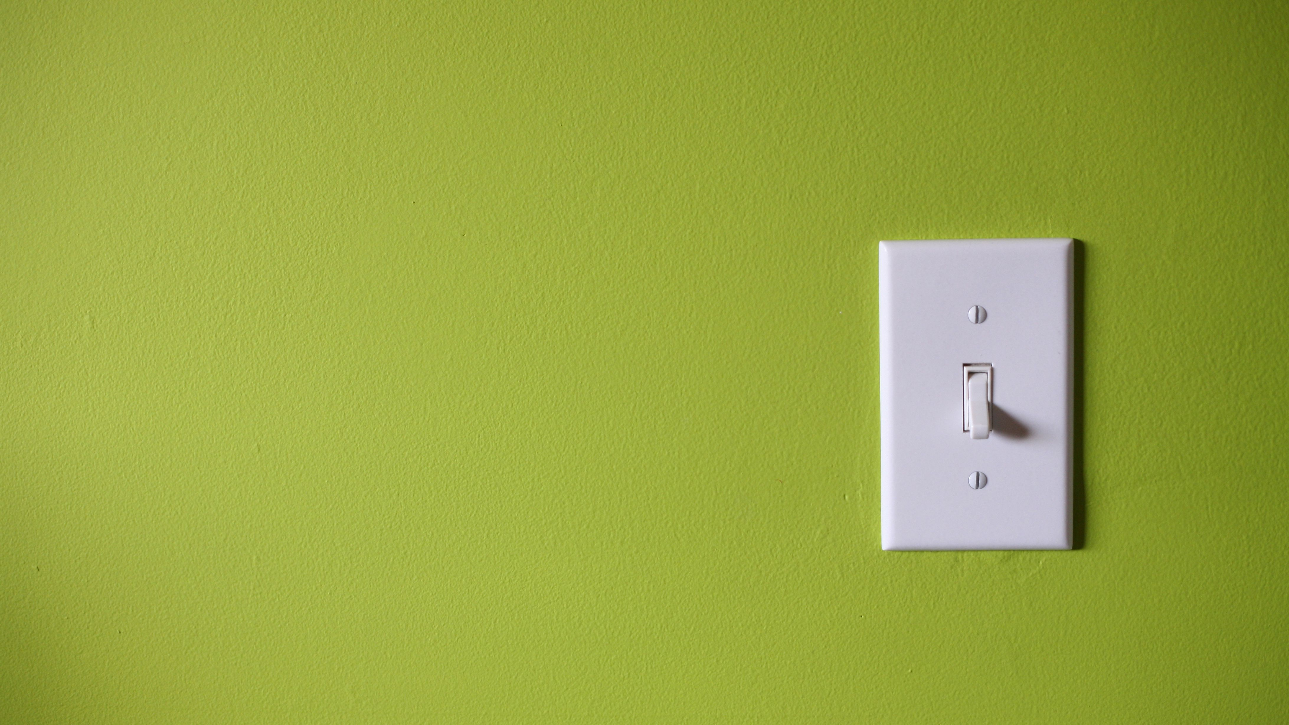 Warning Signs of Defective Wall Switches on