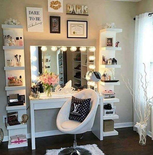 Teen vanity dressing table