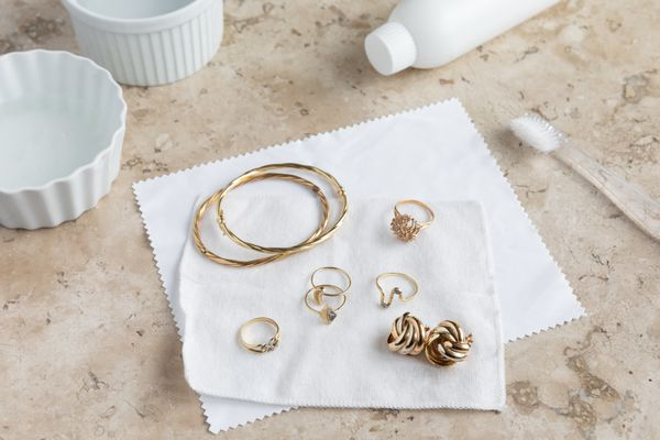 jewelry cleaned with ammonia