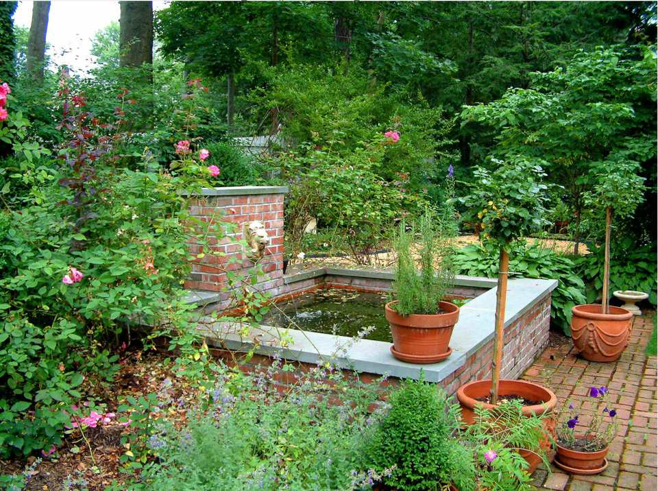 on traditional garden landscape design