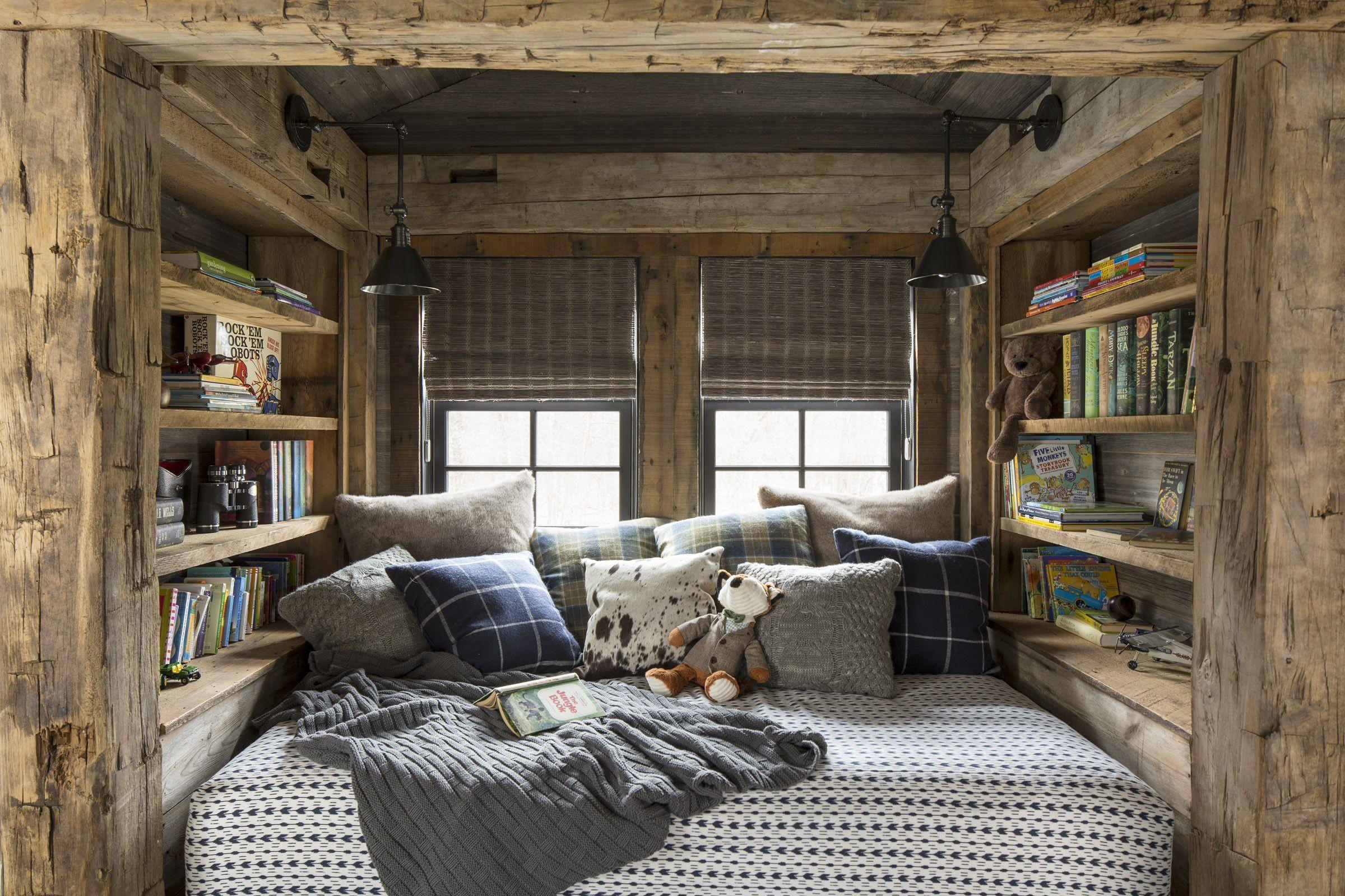 Tumbona de cabina rústica , Ideas de almacenaje de dormitorio pequeño de casa pequeña