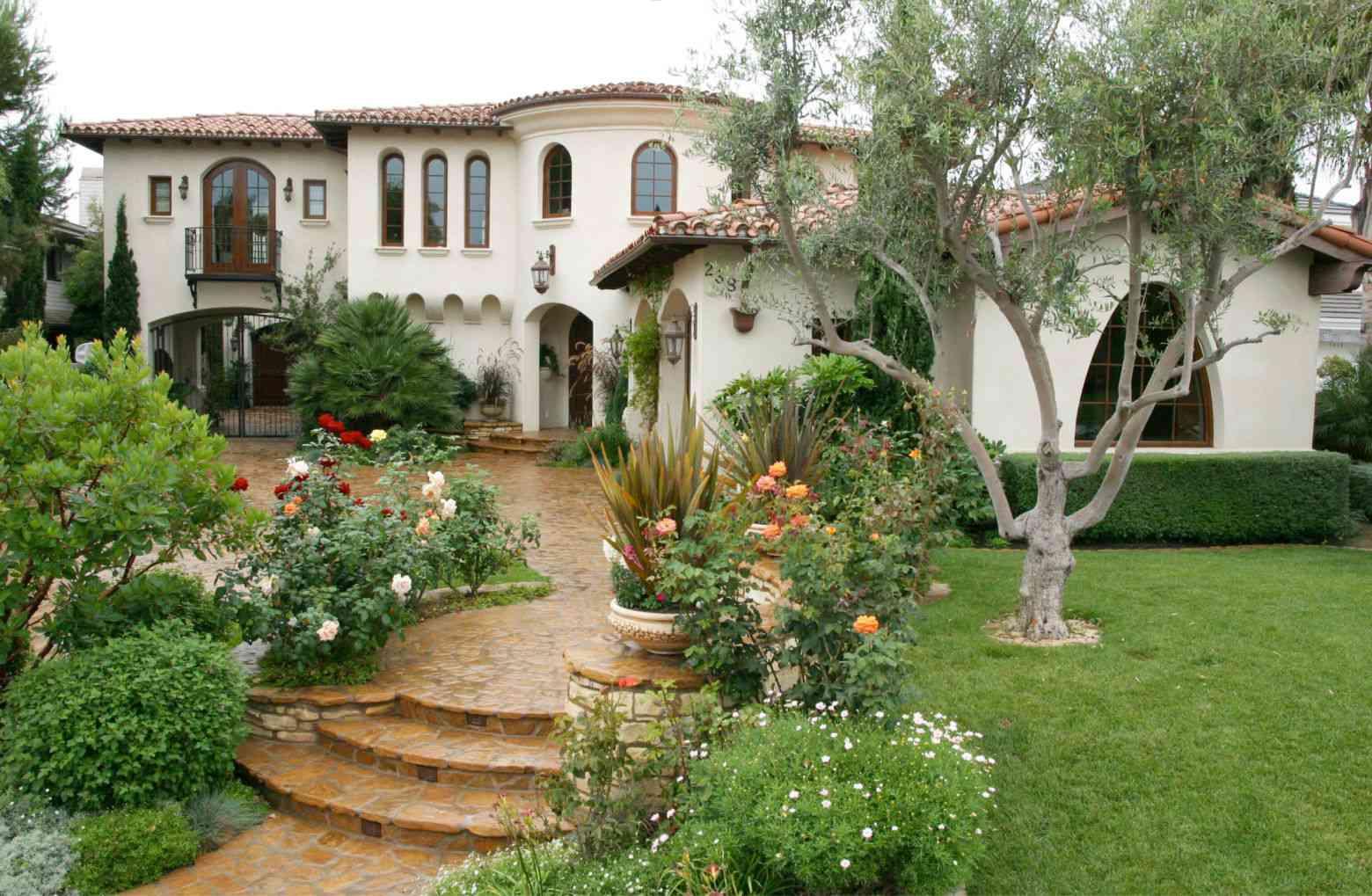 Orange County Mission Influence mediterranean home design