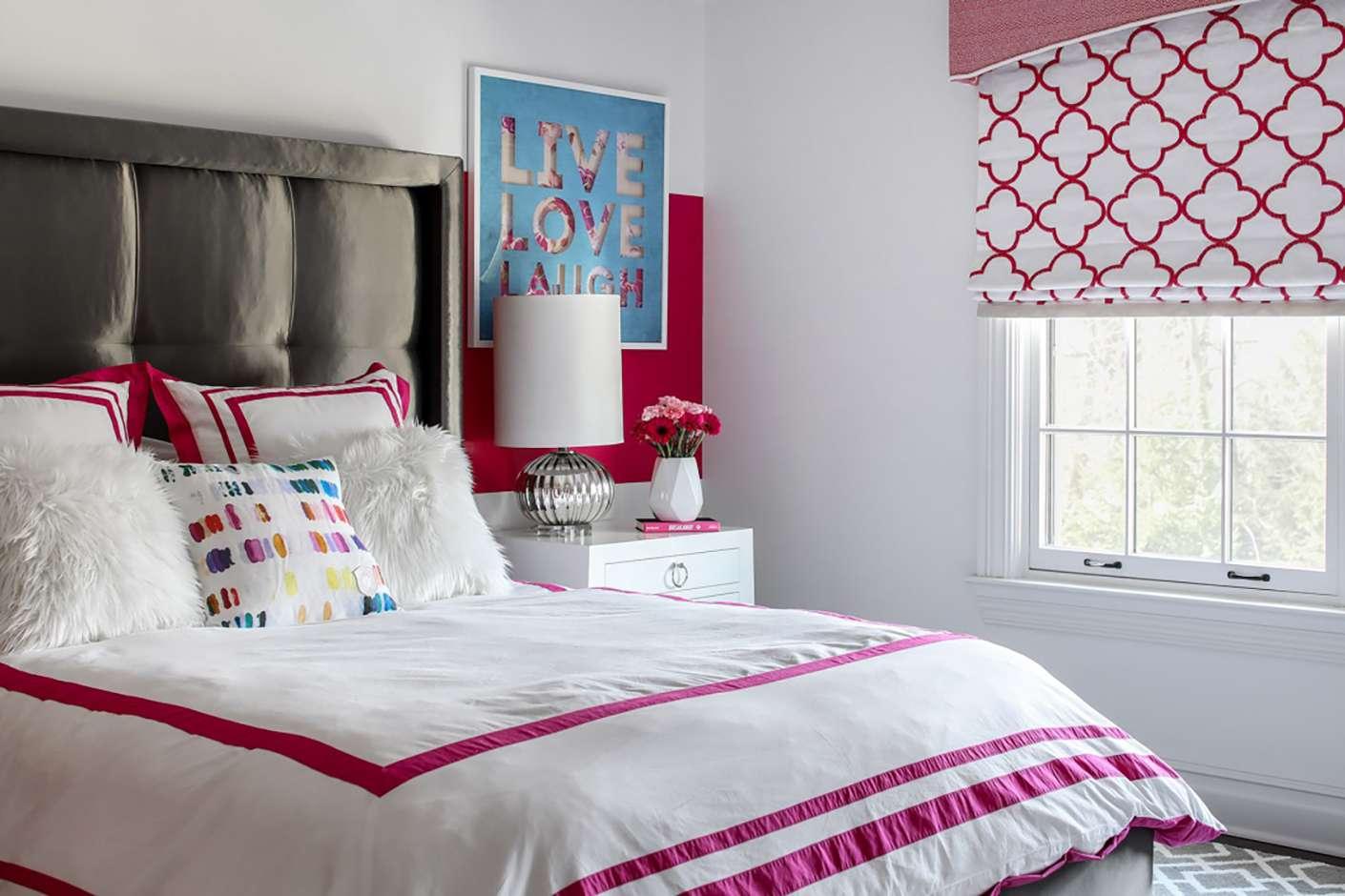 dormitorio juvenil rosa y marrón