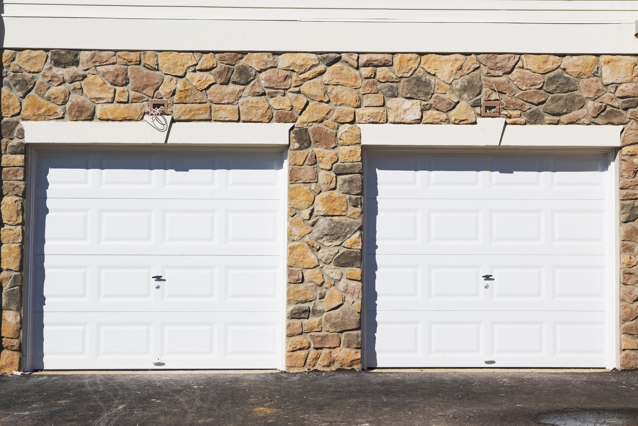 Guide to garage door sizes for 1 5 car garage door