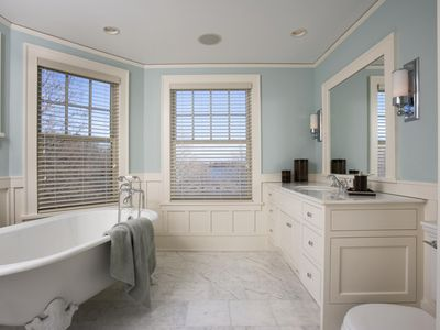 20 Bathroom Decorating Ideas You Ll Fall In Love With