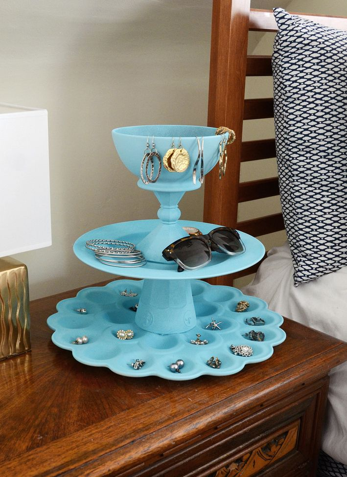 Blue tiered jewelry organizer