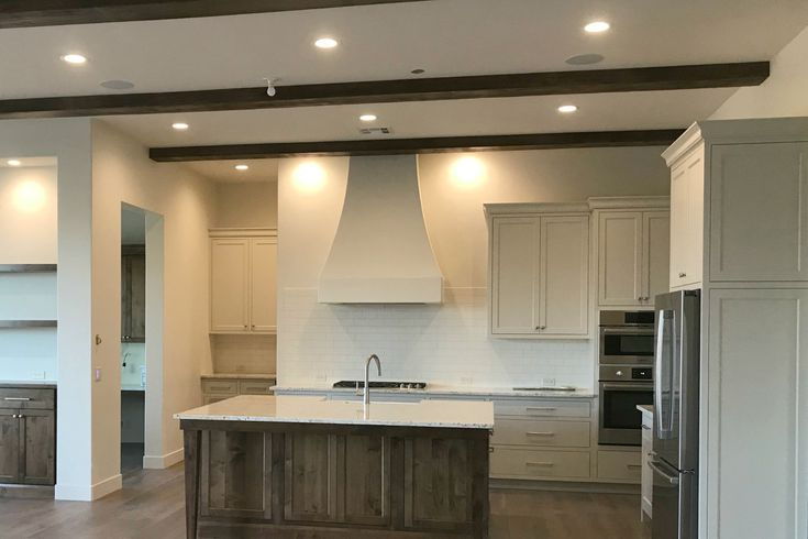 8 Best Kitchen Paint Colors, Best Paint Color For Kitchen Walls With Grey Cabinets