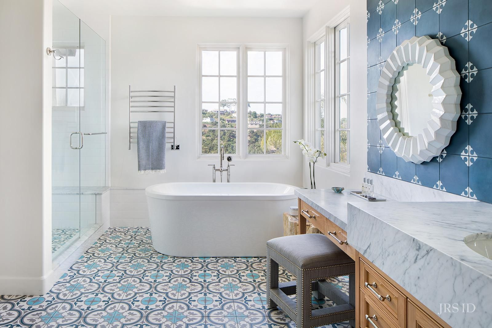 Image of: Beautiful Blue Bathrooms To Try At Home