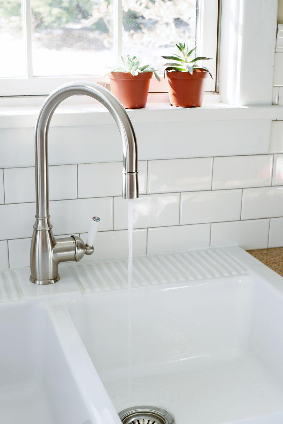 kitchen chrome sink