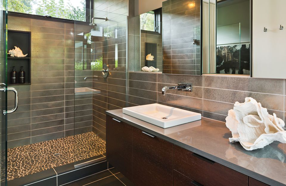 Modern style residential bathroom
