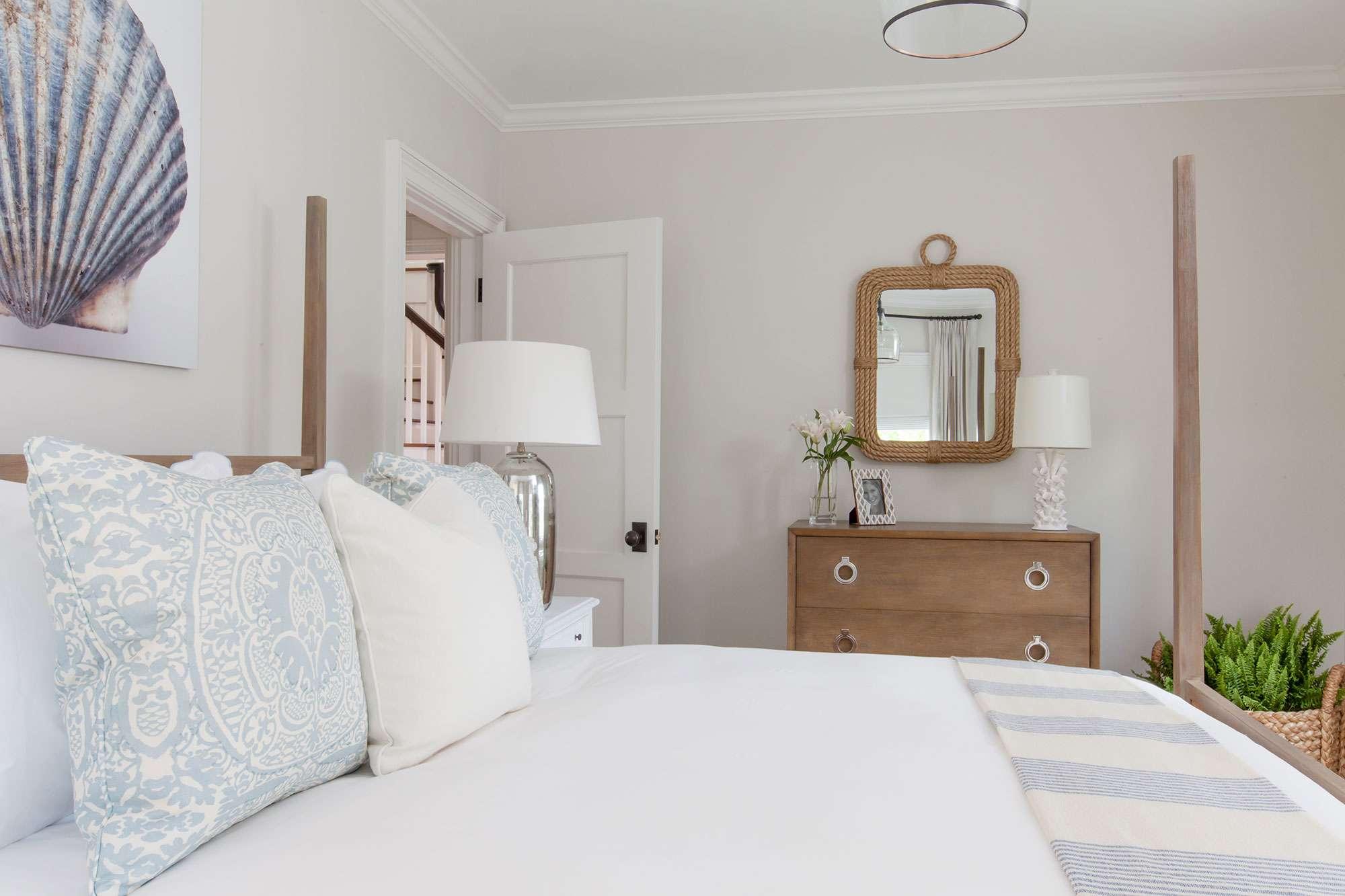 Nantucket bedroom example of coastal decor