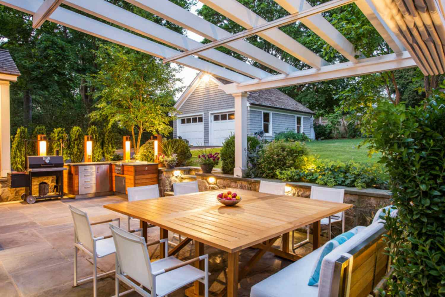 Pergola over an outdoor patio with dining area