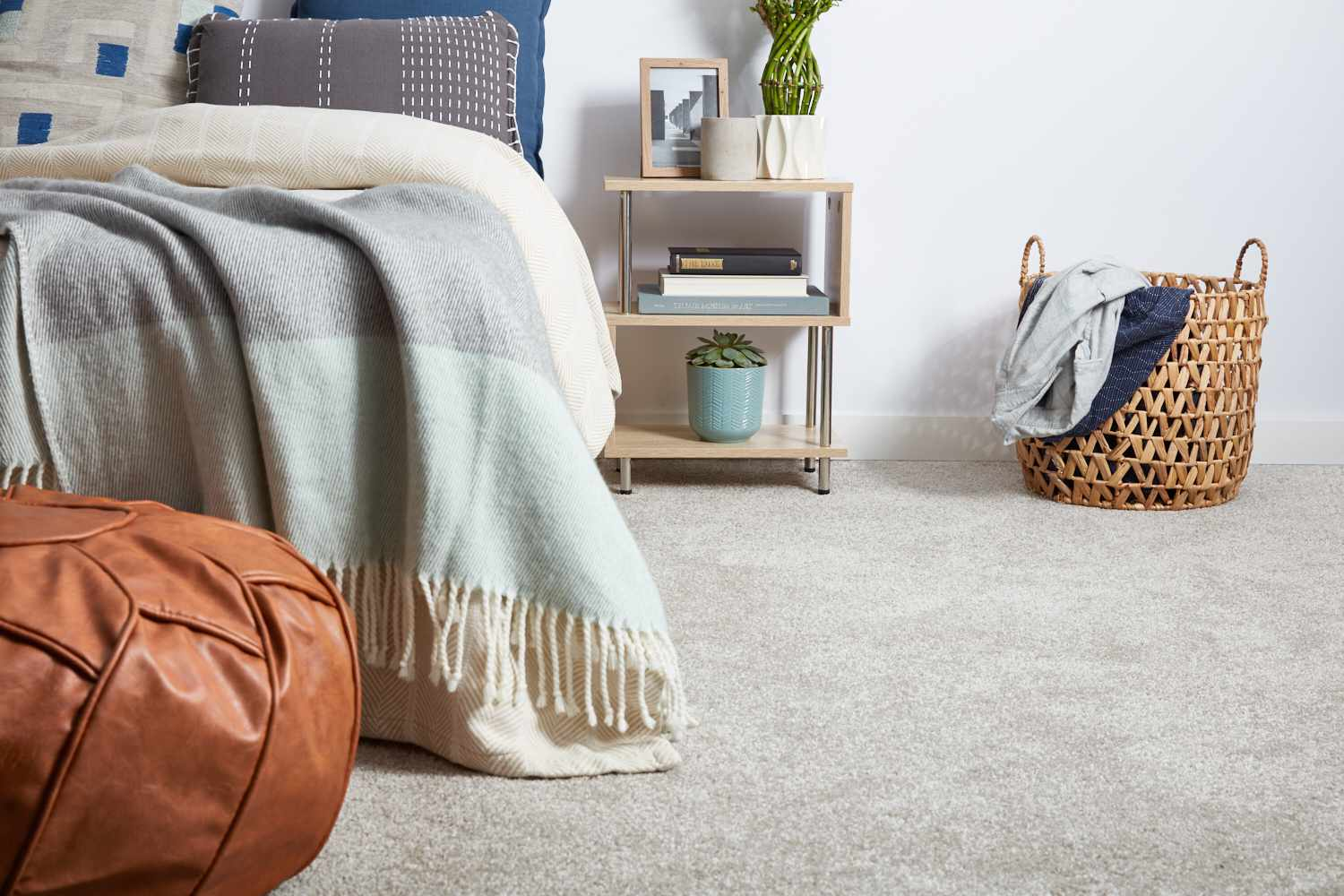 Pros and Cons of 8 Popular Bedroom Flooring Materials