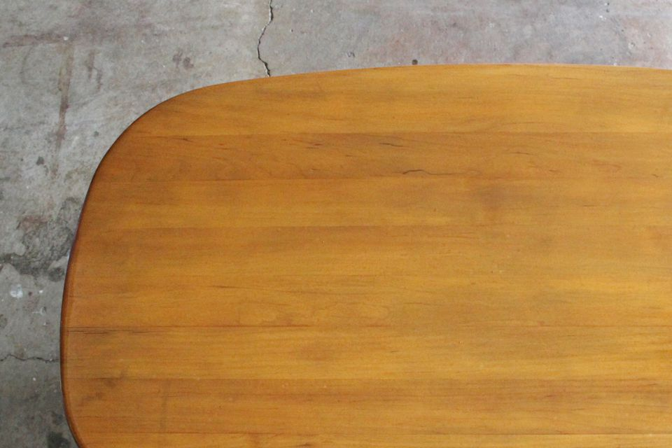 How To Refurbish Or Repaint A Table Top